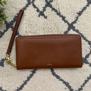 Fossil | Brown Leather Wrislet Zip Wallet Flawed